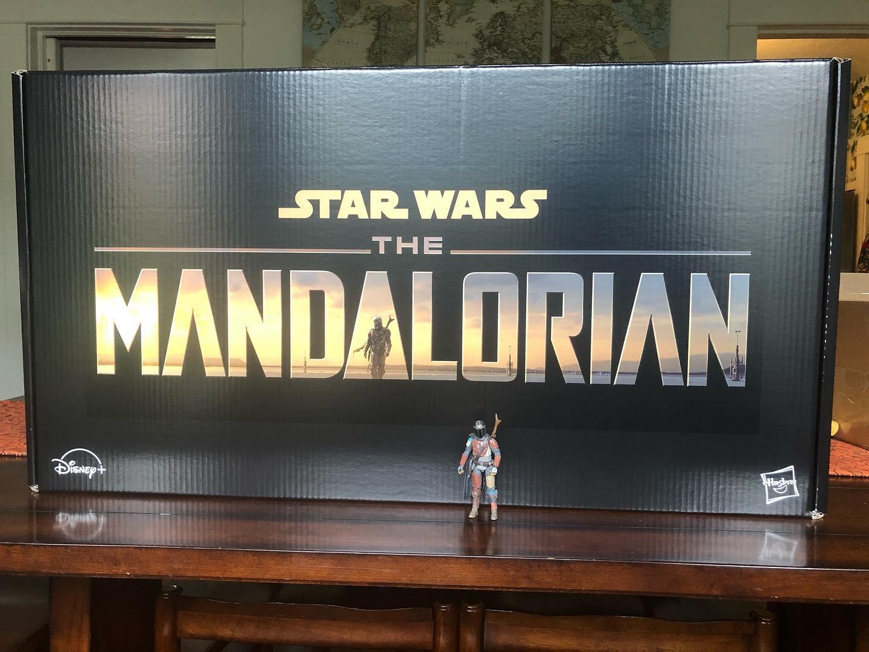 The Mandalorian Promo Kit Unboxing